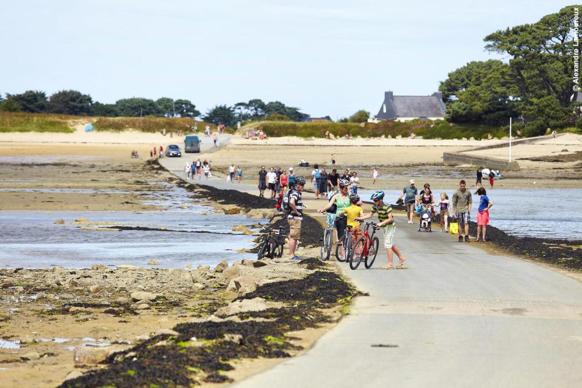 Passage à marée basse vers l'Île Callot