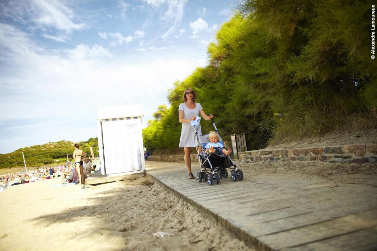 À partir de la Villa des Pins, l'accès aux commerces de Carantec à pied.
